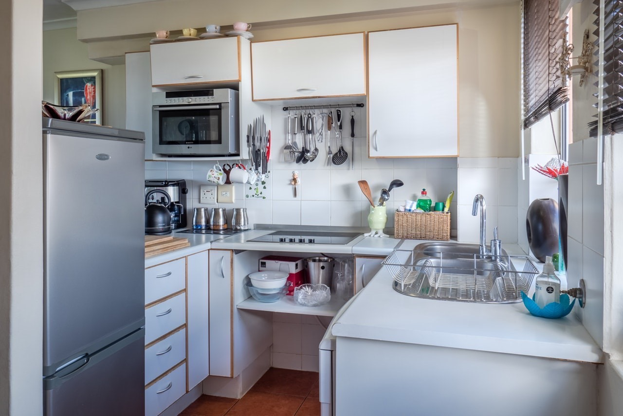 Handling Kitchen Clutter
