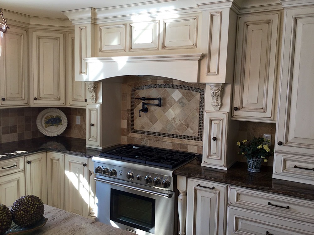 Old Style Kitchen Counter White
