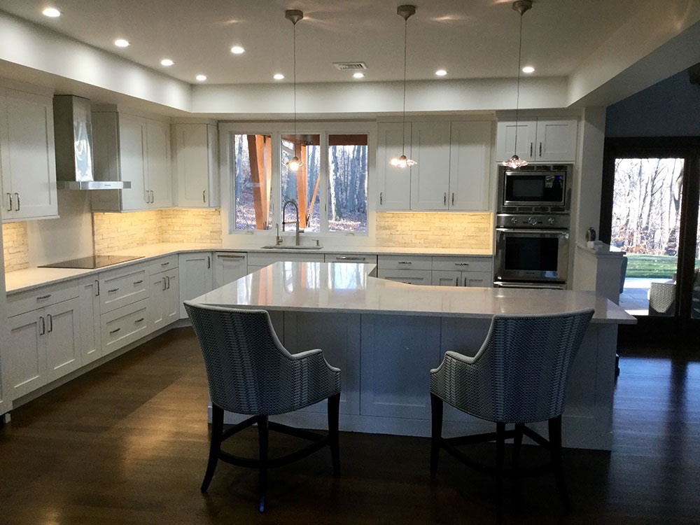 Modern White Kitchen Angle Table in Middle