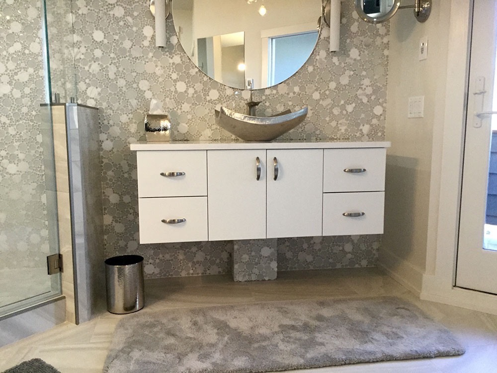 Silver Sink Bowl with Dotted Wallpaper
