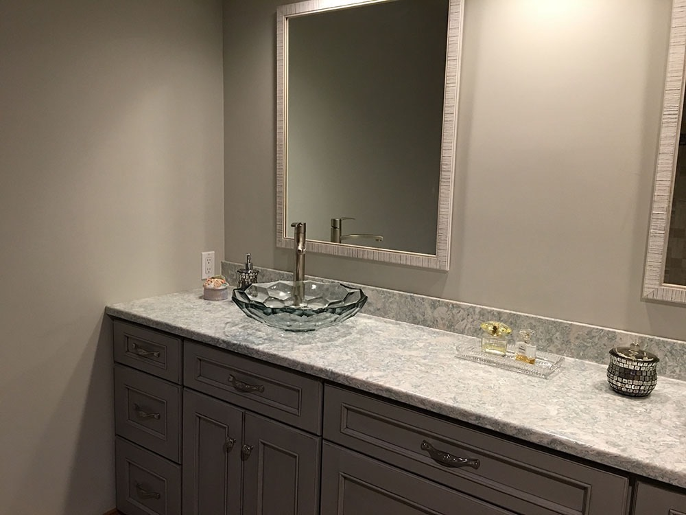 Bathroom with Glass Bowl and Mirror
