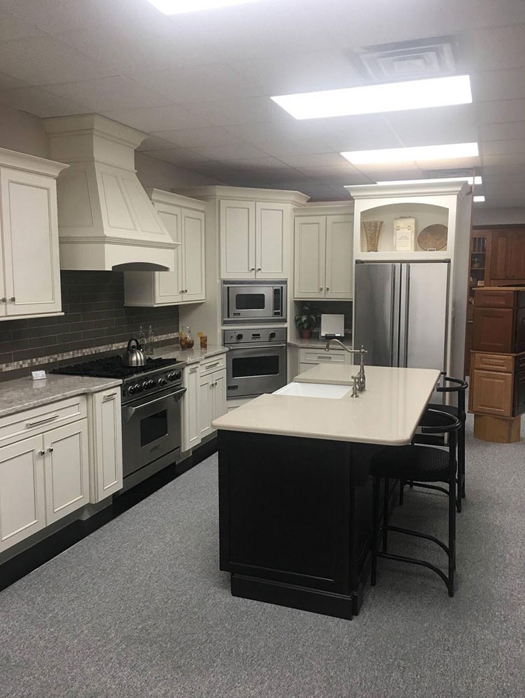 Modern Kitchen with Sink in Middle