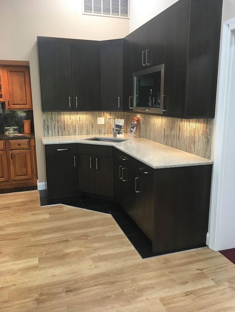 Kitchen Sink with Cabinets