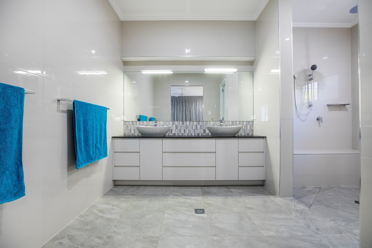 Fancy Master Bathroom Must-Haves
