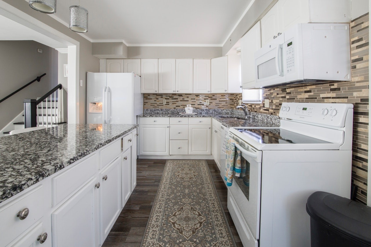 Choosing the Right Type of Kitchen Floor Plan to Fit Your Storage Needs