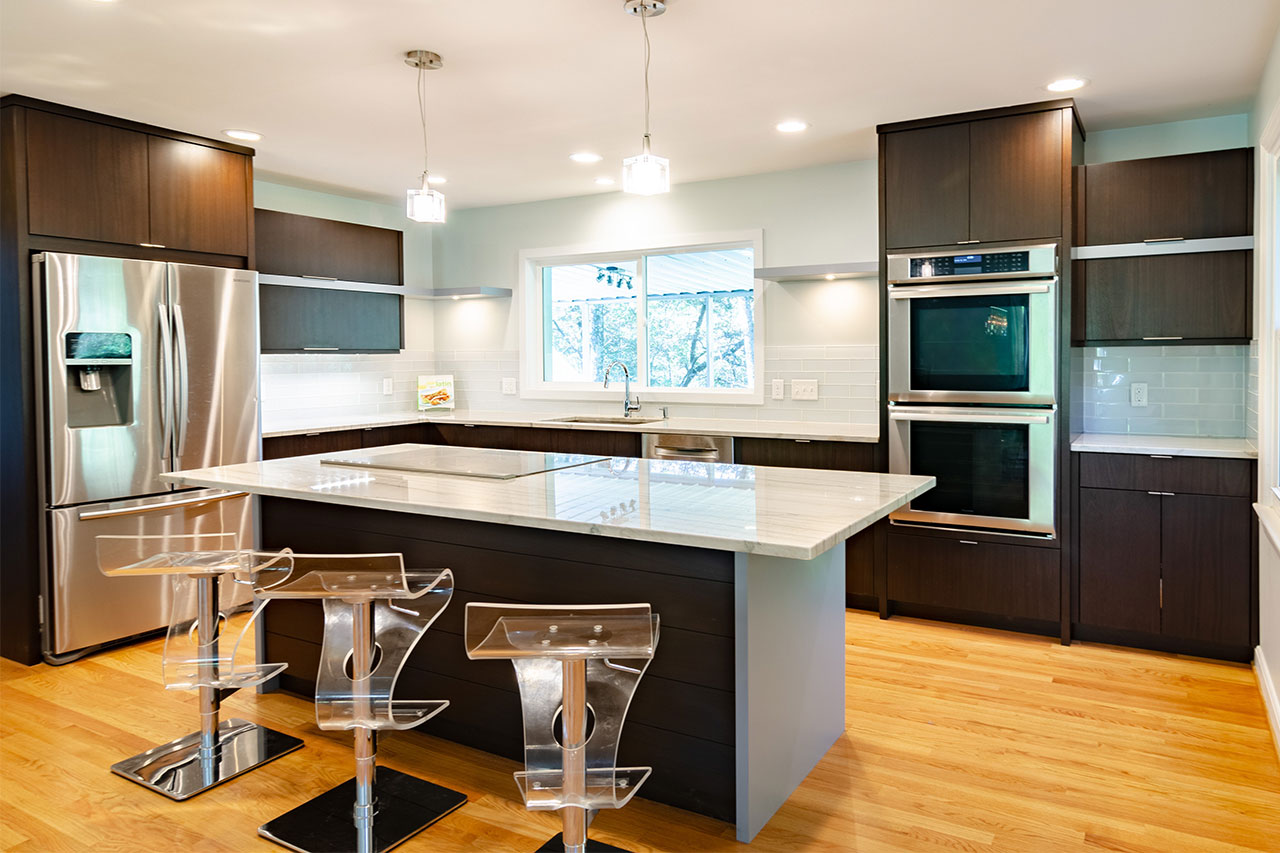 Comfortable and Contemporary: The Modern Family Kitchen